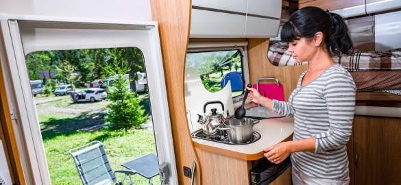 How to cook Christmas dinner in your motorhome