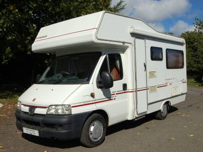 2003 Compass Avantgarde 400 end lounge motorhome