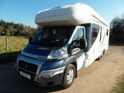 Auto-Trail Comanche Frontier Low-Line - Rear Island Bed - 1 Owner
