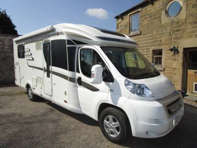 Hymer T698CL Fixed Island Bed Luxury 4 berth Automatic Comfortmatic Motorhome For Sale