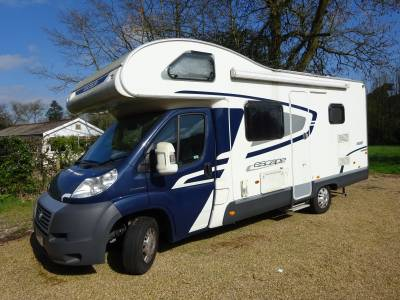 Swift Escape 696 Coach built, 6 berth, 6 set belts, Manual, Motorhome