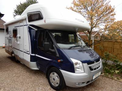 Hymer CL642 2010 6 Berth 6 Seatbelts 3500kg Rear Fixed Bed Rear Garage Motorhome For Sale