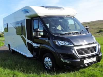 2016 Bailey Autograph Approach 765 with only 3000 miles and annual service