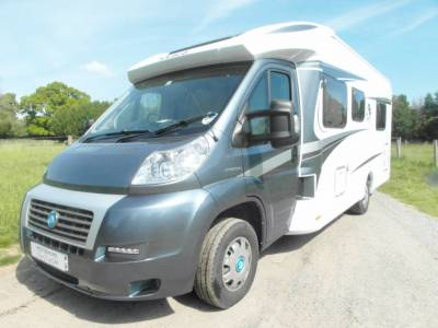 Knaus Sky Ti 700 MX - 2012 - Island Bed - 4 Berth and Seatbelts