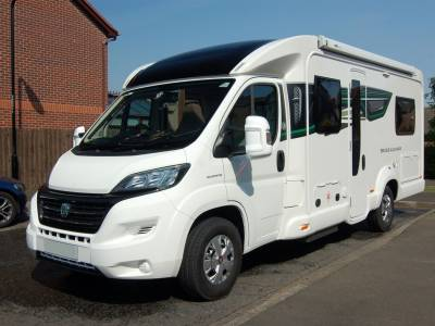 2017 Bessacarr 454 fixed bed low profile motorhome with low mileage