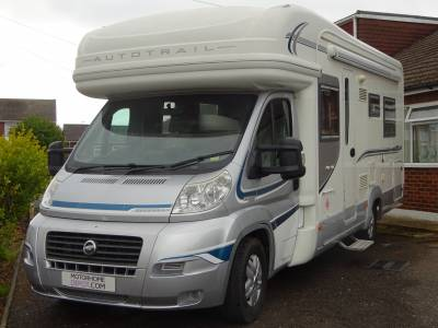Auto-Trail Savannah Coach built motorhome 4 berth with fixed twin singles