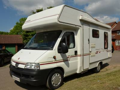 BARGAIN 2003 4-berth Compass Avantgarde 400RL motorhome for sale with rear lounge