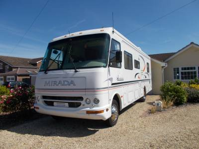 1999 Coachmen Mirada 6 Berth RV