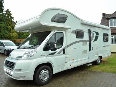 REDUCED 6-berth 2014 Bessacarr E496 motorhome for sale with U-shape lounge