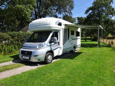 2011 Autotrail Apache 634 - 4 berth - Gaslow - Includes 2 x dealer upgrade packs! - **REDUCED BY £3000*