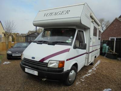Ford Voyager 3