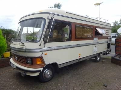 Hymer 665  1985 4 speed semi automatic  6 berth 2 seat belts bunk beds over cab bed Motorhome for Sale
