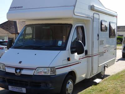 Compass Avantgarde 200 LUX 4 berth 2 seat belts coach built motorhome