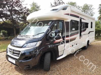 PRICE REDUCED - Swift Kon-tiki 625 Black Edition - Automatic, Cab air-con, 4 berth, 4 belts, Island bed, Centre dinette, Solar panels, Side kitchen