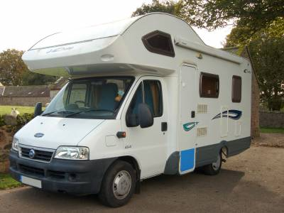 2006 Lunar Champ A541 4 berth family motorhome with bunks