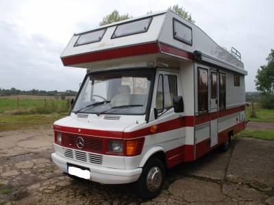 Auto-Trail Cheiftan , 1993, 5 berth 2 seat belts end kitchen, mid lounge Motorhome for Sale