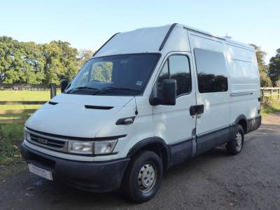 Iveco Daily (conversion) - 4 Seatbelts – Rear Lounge