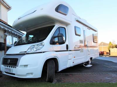 Bessecarr E495, 2010, 6 berth, 6 seat belt, U shaped lounge
