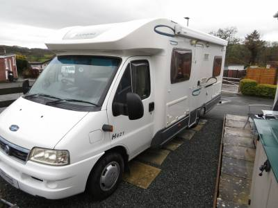 Lunar Champ h621 2005 fixed rear bed very low mileage