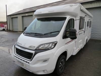 Autoquest 196, 6 berth, 6 travelling seats, Phantom Tracker