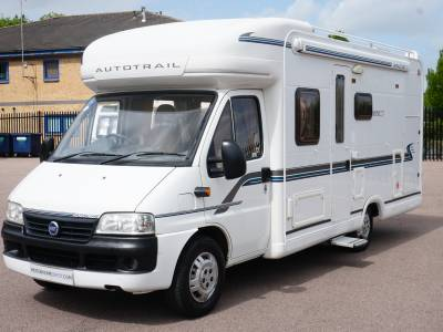 Autotrail Apache 670SE 4 berth Low Profile Rear Fixed Bed motorhome for sale