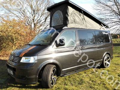 Volkswagen Transporter T5 LWB T32 - 4 Berth, 4 Belts, Cab air-con, Centre dinette, Swivel seat