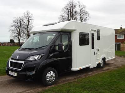 2016 Bailey Autograph Approach 730 4 berth 2 seat belts fixed island transverse bed mid kei