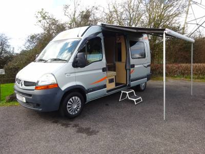 Renault Master 4 berth 3 seat belt Camper Van for sale