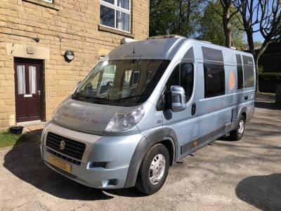 Globecar Familyscout L Rear Bed Center Dinette Camper Van For Sale