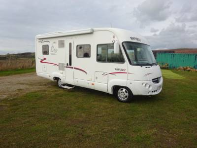 2006 Rapido 986M A-Class - Automatic - 4 berths - only 28,000 miles - Gas Low system - Small garage