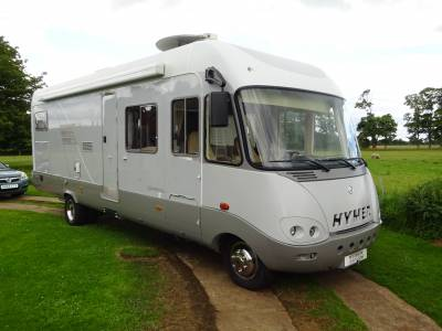 Hymer S820 4 Berth Fixed Bed Luxury Motorhome for Sale