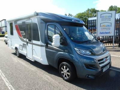 Burstner Nexxo T740 2 berth 4 belts 6 Speed Manual