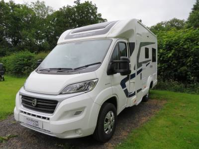 Swift Escape 622, 2 berth, 2 travelling seats, very low mileage