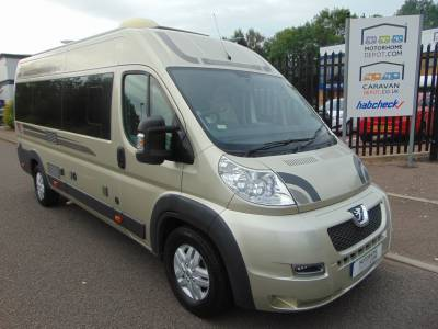 Autosleeper Kingham 2014 2 Berth Rear Fixed Bed Camper Van Motorhome For Sale