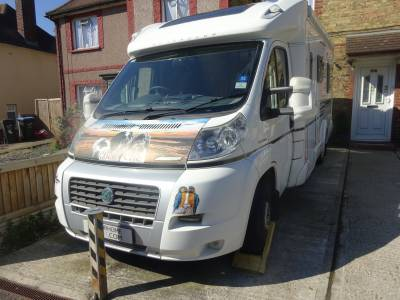 Bessacar E520 end lounge motorhome