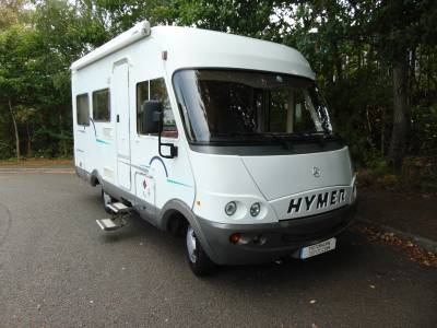 Hymer B550 Starline 4 berth overcab bed rear U-shaped lounge motorhome for sale