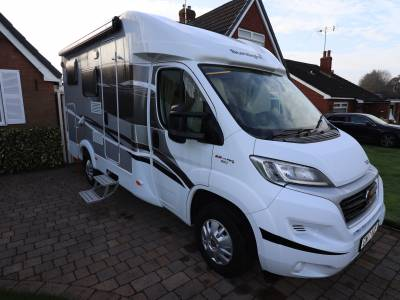Sunlight T60 AUTOMATIC Travelling Seatbelts Fixed Bed Garage Motorhome For Sale