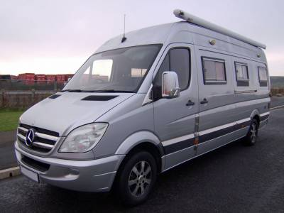 2009 Mercedes Sprinter 311CDi LWB with slide out rear lounge