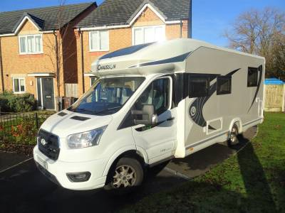 Chausson Titanium 768XLB 6 Berth 4 Travel Seats Rear Island Bed Motorhome Camper Van For Sale