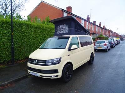 Volkswagen T6 Camper 4 Berth 5 Travel Seats Motorhome Camper Van For Sale