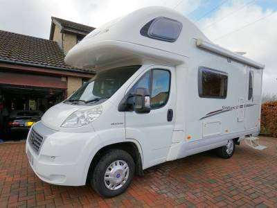 Swift Sundance 590RS, 5-Berth, 4-Seatbelts, End-kitchen, Over-cab Double Bed, Motorhome for Sale