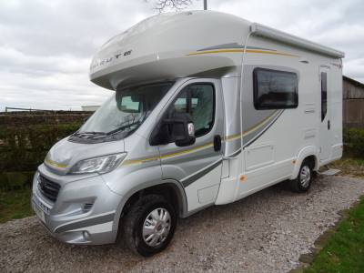 Auto-Trail Tribute 620 5 berth 4 belt end kitchen separate shower motorhome for sale