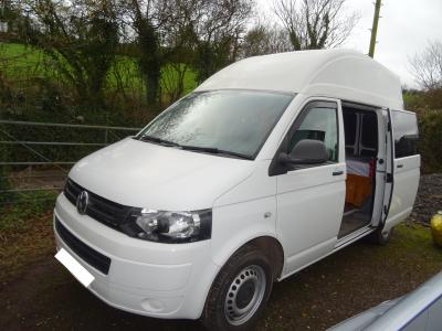 Volkswagen Transporter T5 High Top Camper Van
