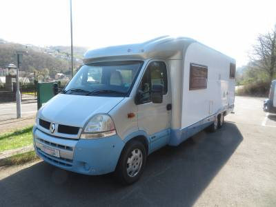 Burstner Delfin Performance t821 4 Berth, 4 Travelling seats