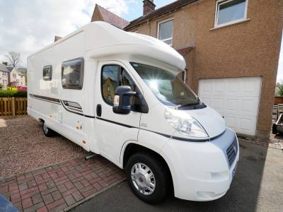 Bessacarr E450, 4-Berth, 2-Seatbelts, Low-profile, Fixed Bed, Motorhome for Sale