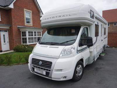 Autotrail Cheyenne SE 840S 6 berth fixed rear single beds tag axle motorhiome for sale
