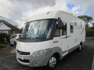 RAPIDO 840F AUTOMATIC A CLASS 4 BERTH ISLAND BED DROP DOWN BED GARAGE MOTORHOME FOR SALE