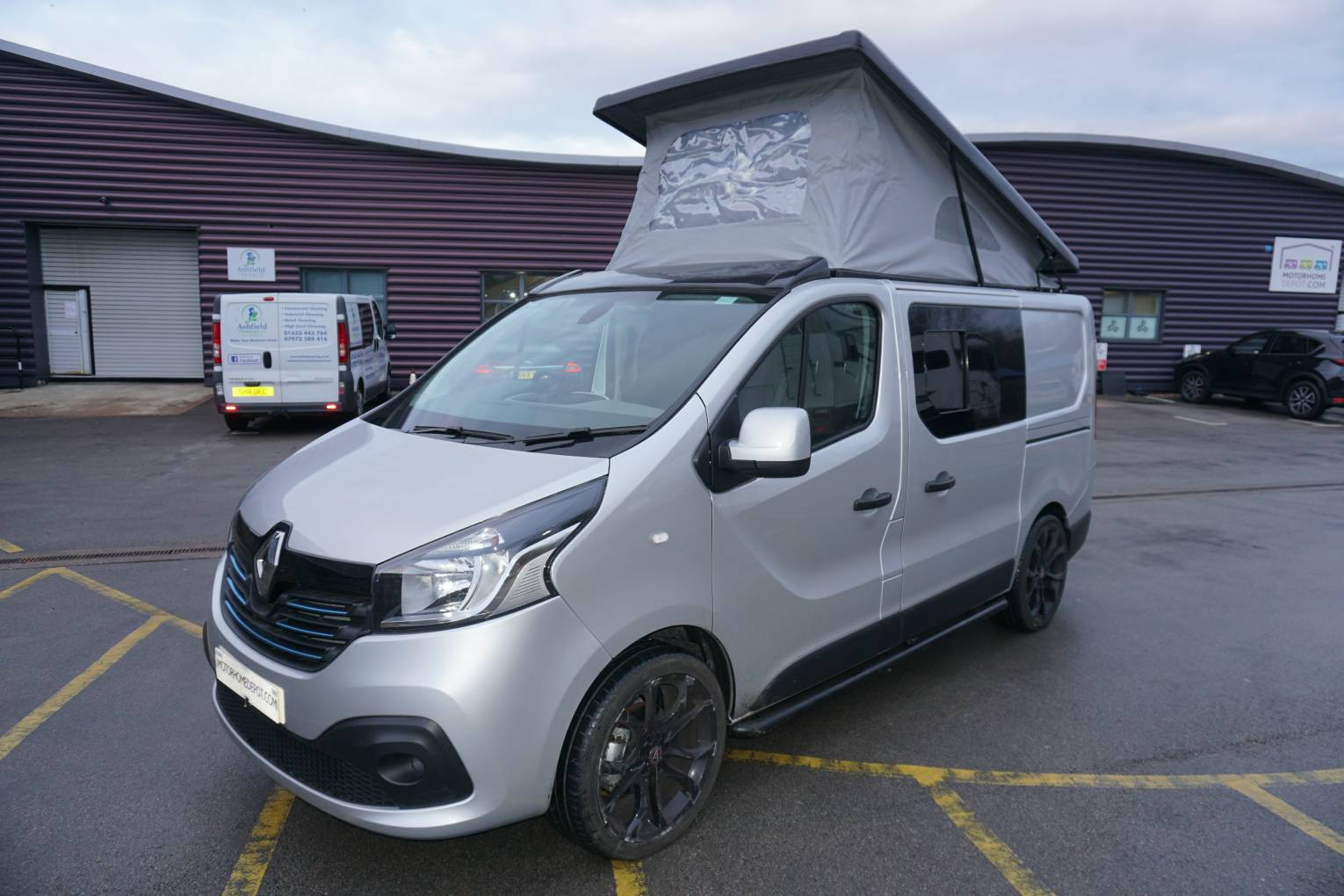 Renault Traffic Tuxford Campers Conversion With Rock And Roll Bed Motorhome For Sale